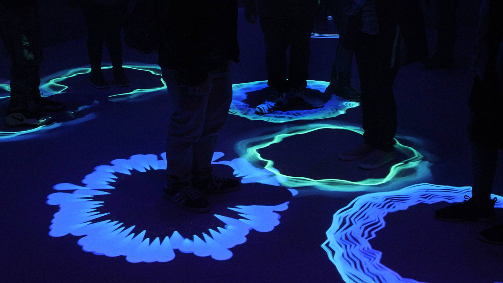 Museum of Feelings: Energized Room, responsive energy halos and animations